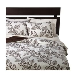 Room Essentials® Climbing Leaf Comforter