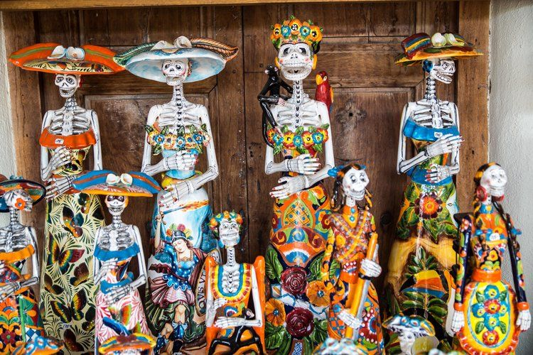 Halloween vs. Día de Muertos — Spanish and Go