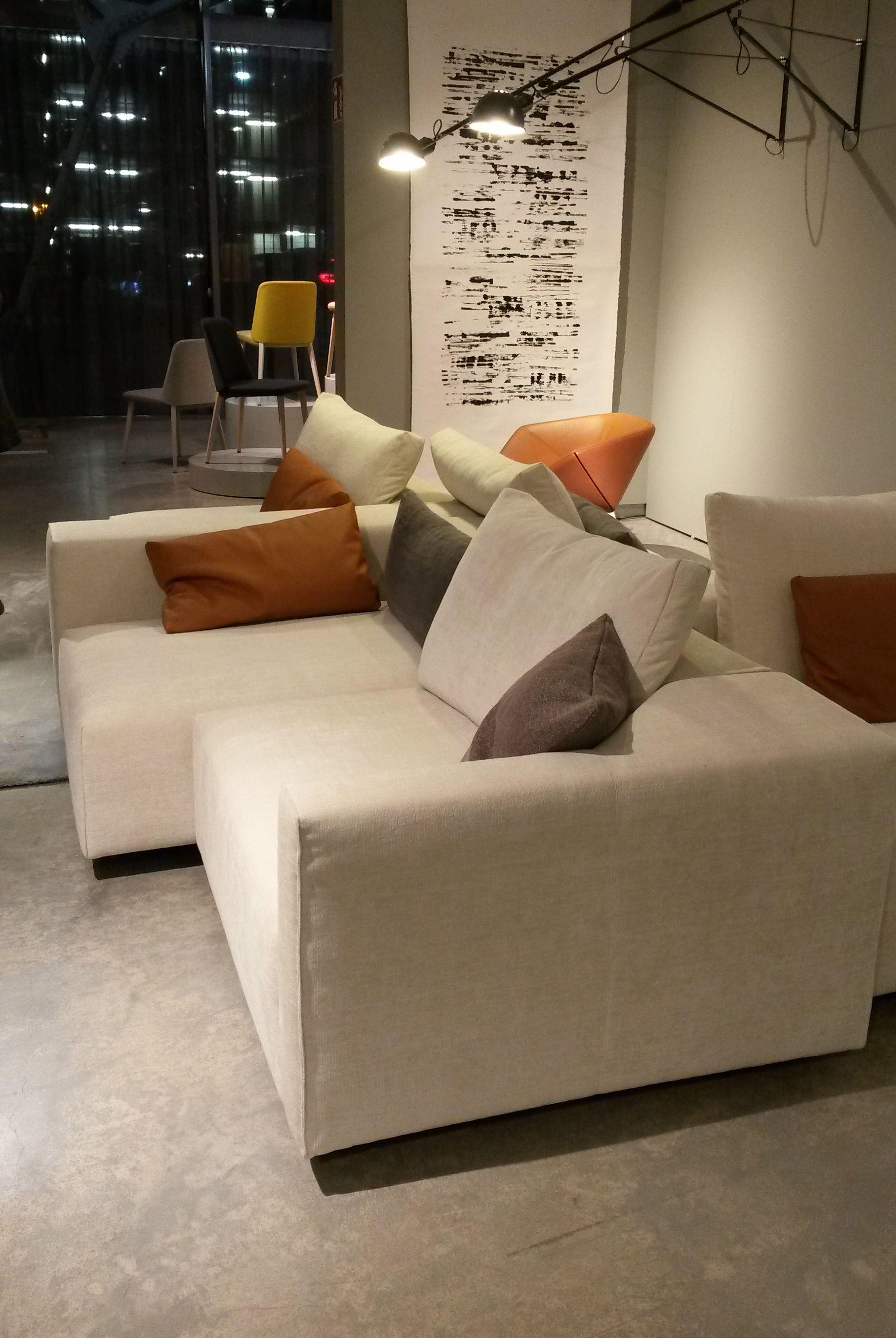 Nieuwe Design Bank.Montis Design Nieuws Thuis Design En Meubelontwerp