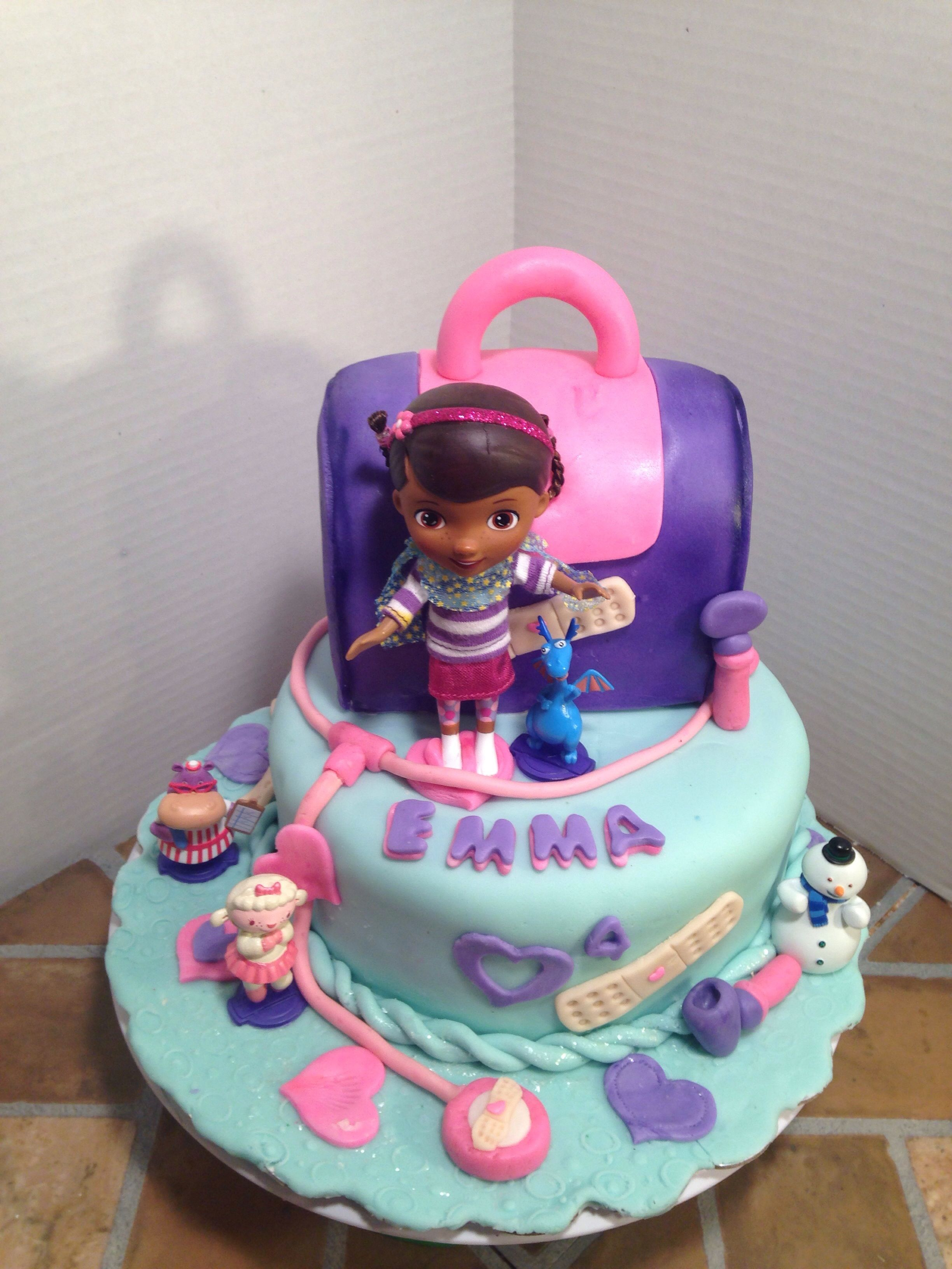Doc McStuffins cake and matching cupcakes, https://www.facebook.com