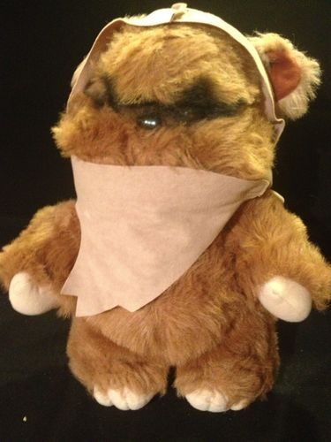 Vintage Stuffed Animal Toy Kenner Star Wars Return Of The Jedi - Dog obsessed with stuffed santa toy gets to meet her idol in real life
