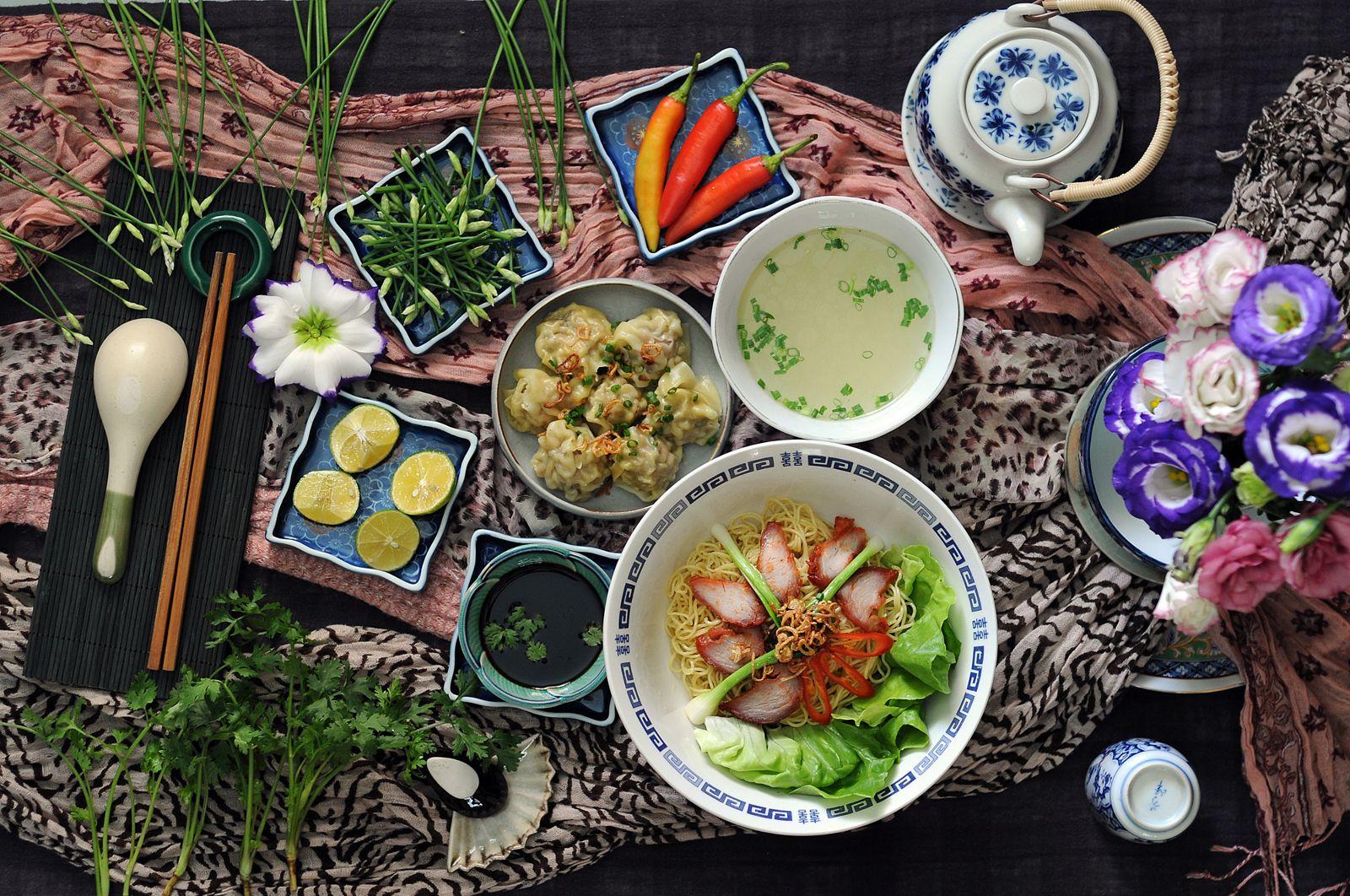 Bun Bo Hue Vietnamese Spicy Noodle Soup Vietnamese Food From Central Vietnam Noodle Soup With Beef And Pork Asian Cooking Asian Recipes Asian Cuisine