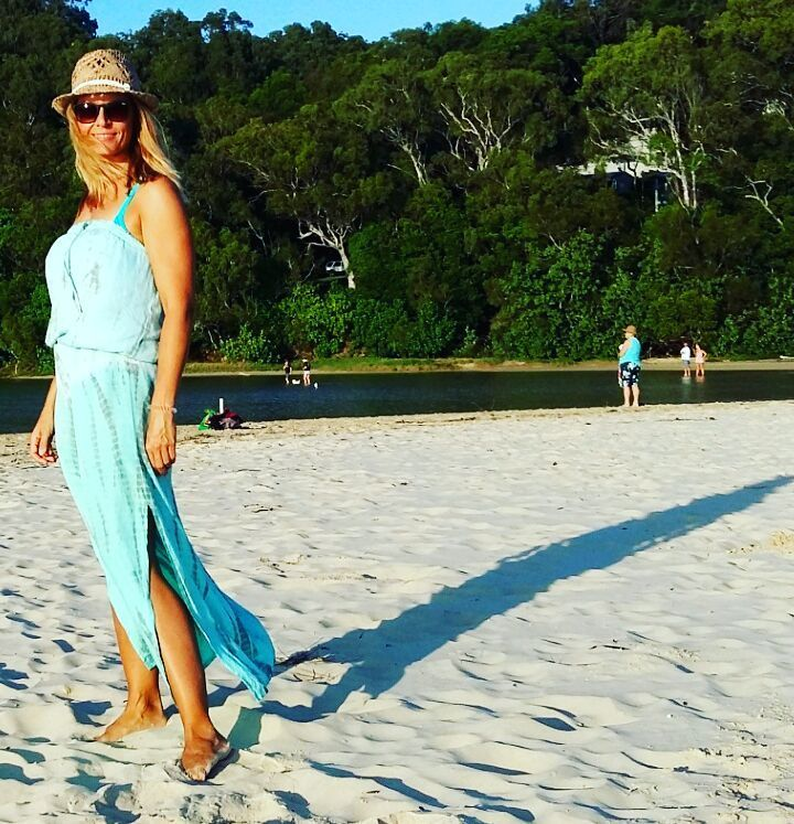 #shadows  #currumbinbeach #turquise # autumn #danishgirl #goldcoastlife by mango6688 http://ift.tt/1X9mXhV
