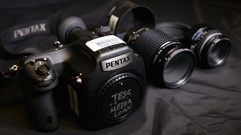 pentax 645z digital medium format operating guide help wiki rh pinterest co uk Camera Pentax 645 Loading Pentax 645 Size