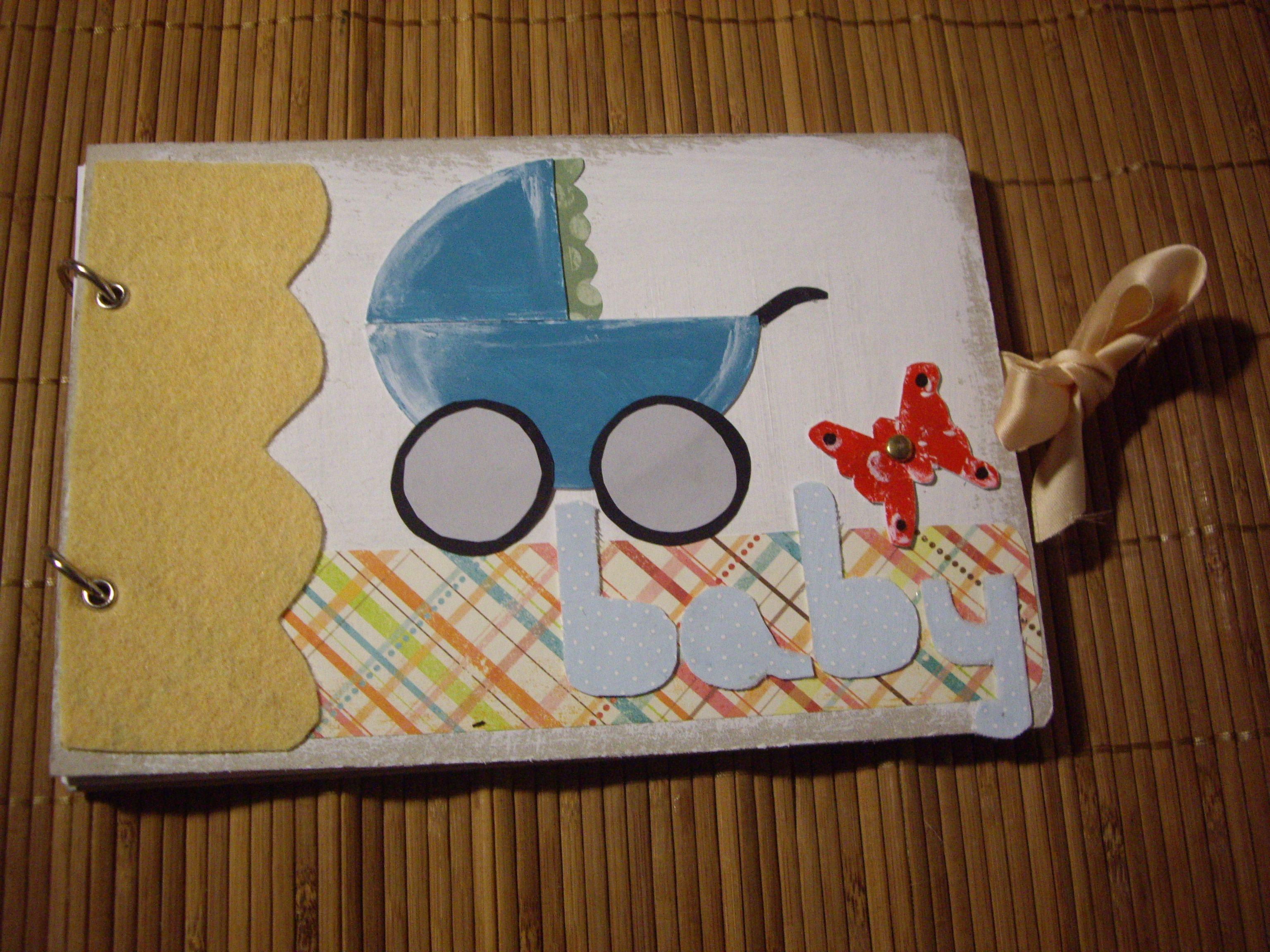 Diario Scrap (Baby) realizado artesanalmente con distintos materiales. Tamaño: 22x15 cm aprox. Precio: 10 euros.