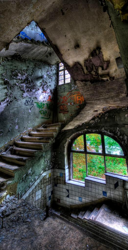 21 Forgotten | Abandoned | Staircase Left Alone to Die