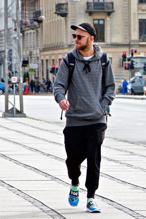 2015-05-04のファッションスナップ。着用アイテム・キーワードはキャップ, サングラス, スウェットパンツ, スニーカー, パーカー,Nike(ナイキ)etc. 理想の着こなし・コーディネートがきっとここに。  No:105082