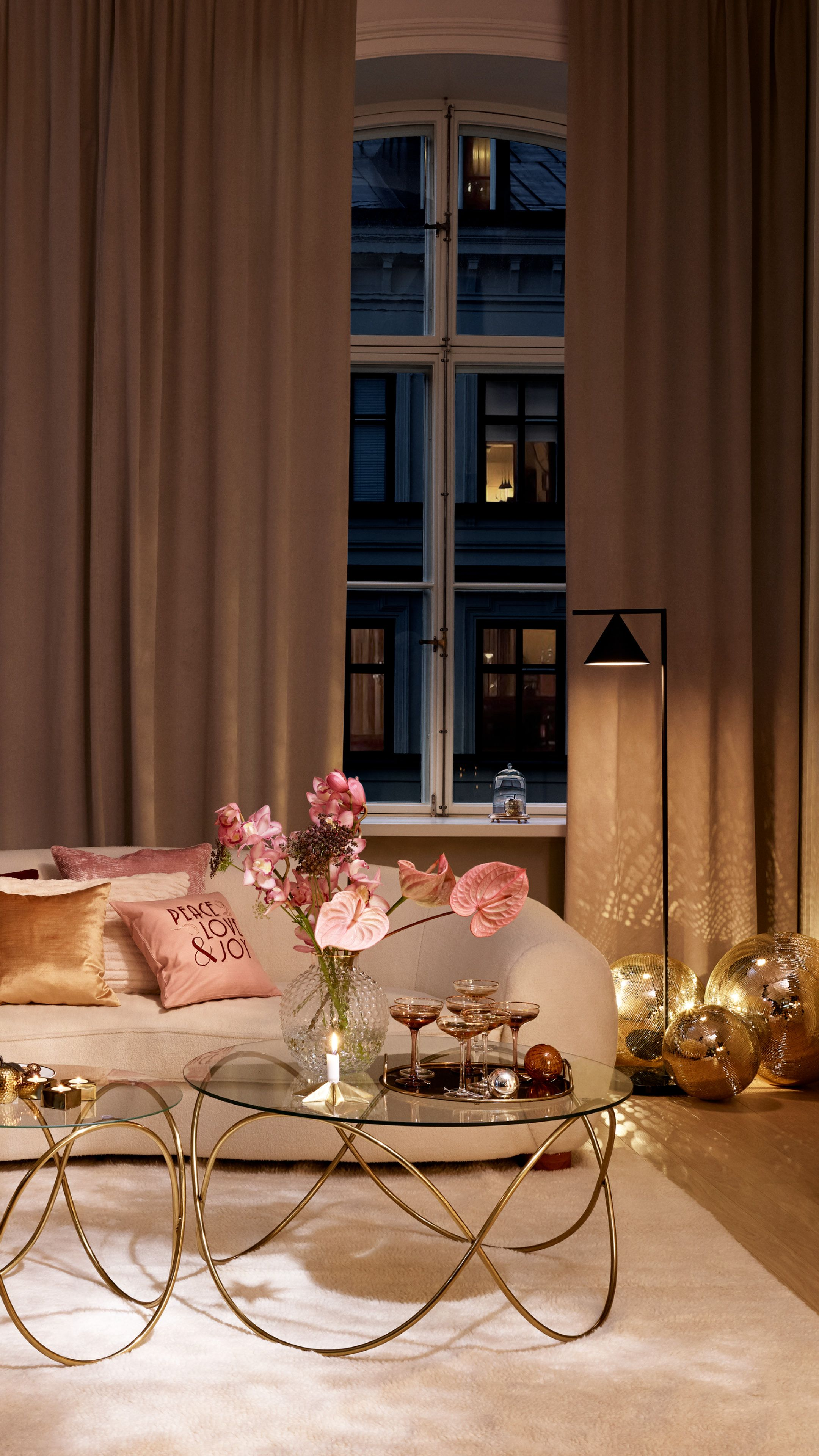 Bedroom Creator Online: Throwing A Party? Create A Festive Ambiance With