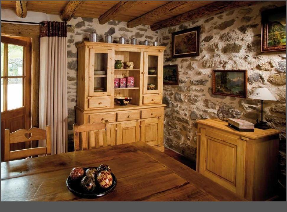 Table A Manger Rectangulaire En Pin Massif De Style Montagnard 200x100x75cm Tmf Tek Import Www Tekimport Fr