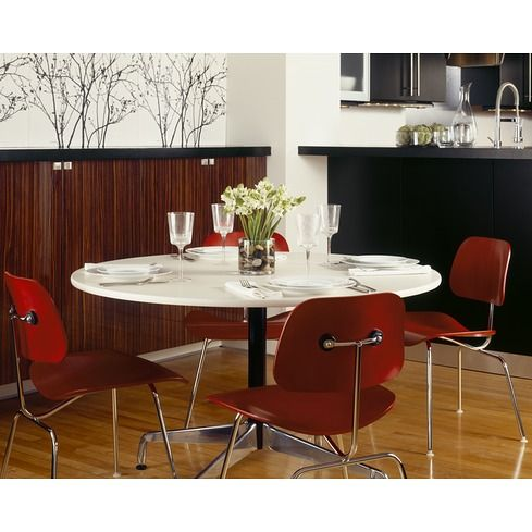 Eames® Table Segmented Base Round Herman Miller