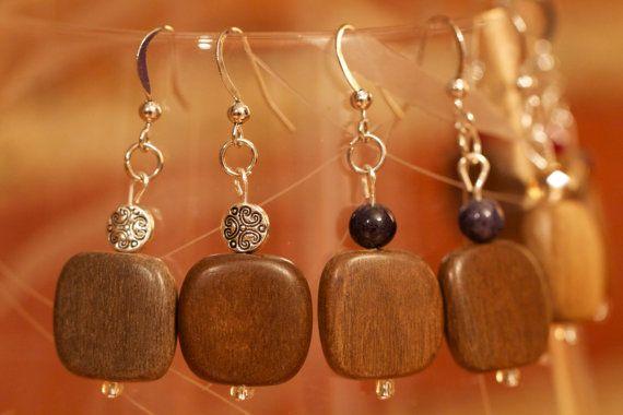 Boucles d'oreilles en bois foncé sur Etsy, $12.00 CAD