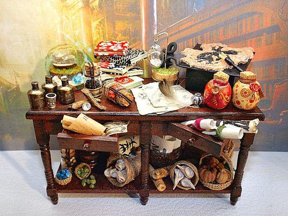 1:12 Scale Dollhouse Miniature Victorian Table