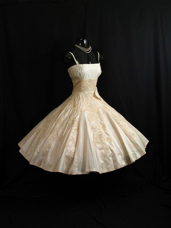 Vintage 1950's Bombshell Beaded Sequined Gold Silk & Taffeta  Gown