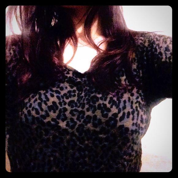 Leopard quarter sleeve shirt Comfy lightweight sexy leopard print quarter sleeve shirt Tops Tees - Long Sleeve
