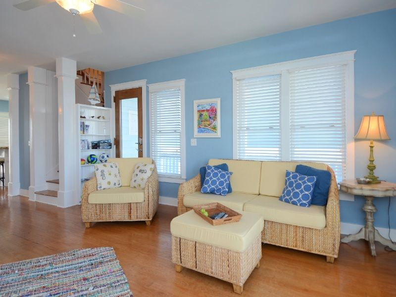 Dreamer a 3 Bedroom Almost Oceanfront Rental House in