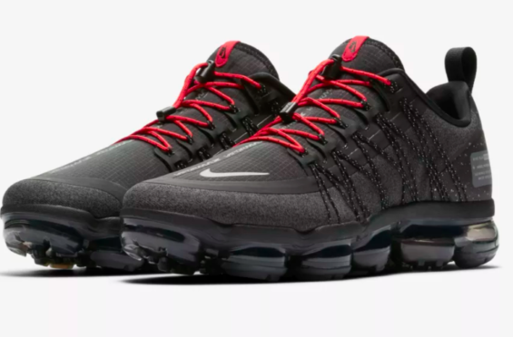 ded42249c8 Release Date: Nike Air VaporMax Run Utility Anthracite Utility Red The Nike  Air VaporMax Run