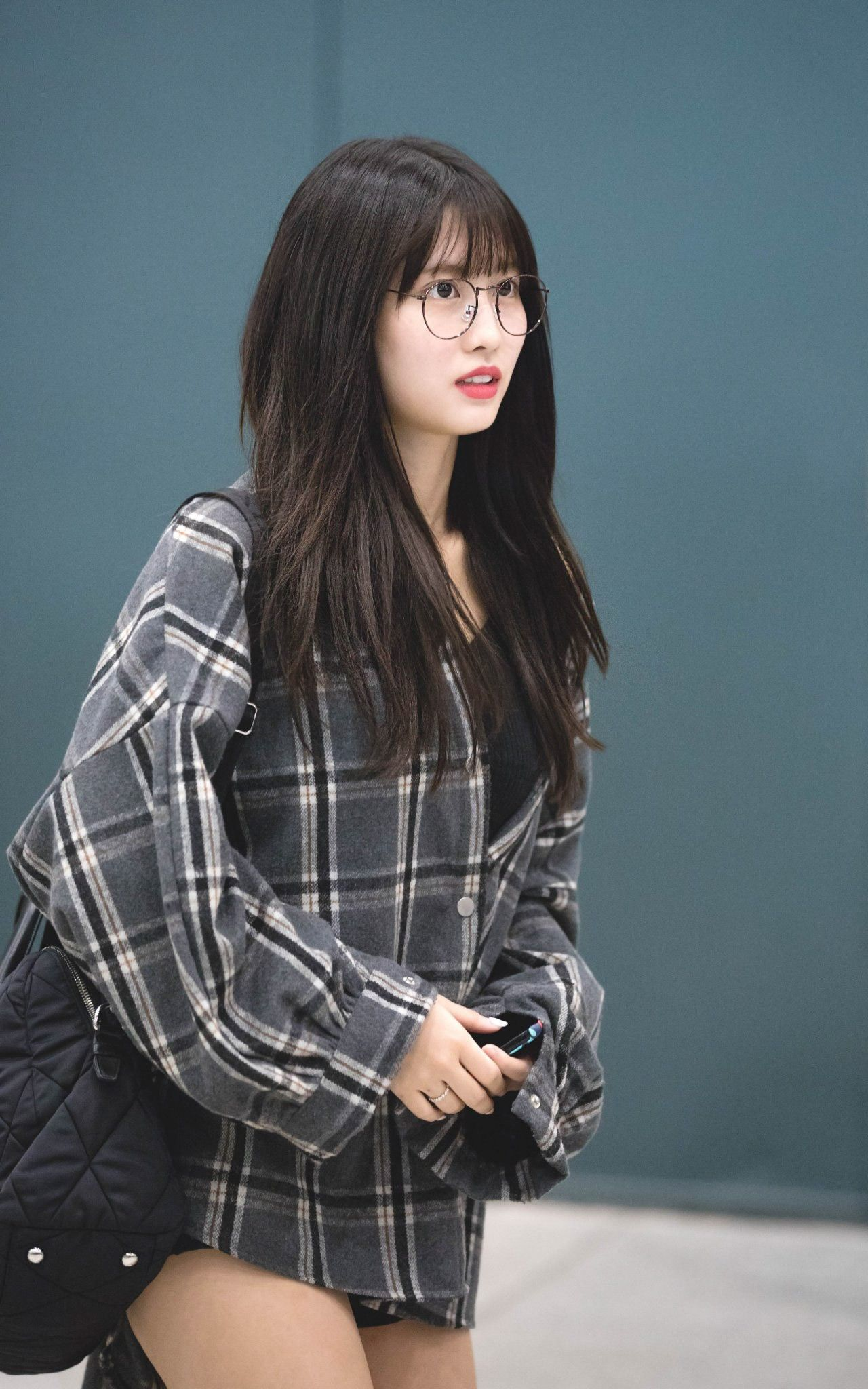 27 08 2018 Momo A Group Of Girls In The Morning Group Arrives At Incheon International Airport Located In Unseo Dong Incheon Me Momo Kpop Girls Korean Girl