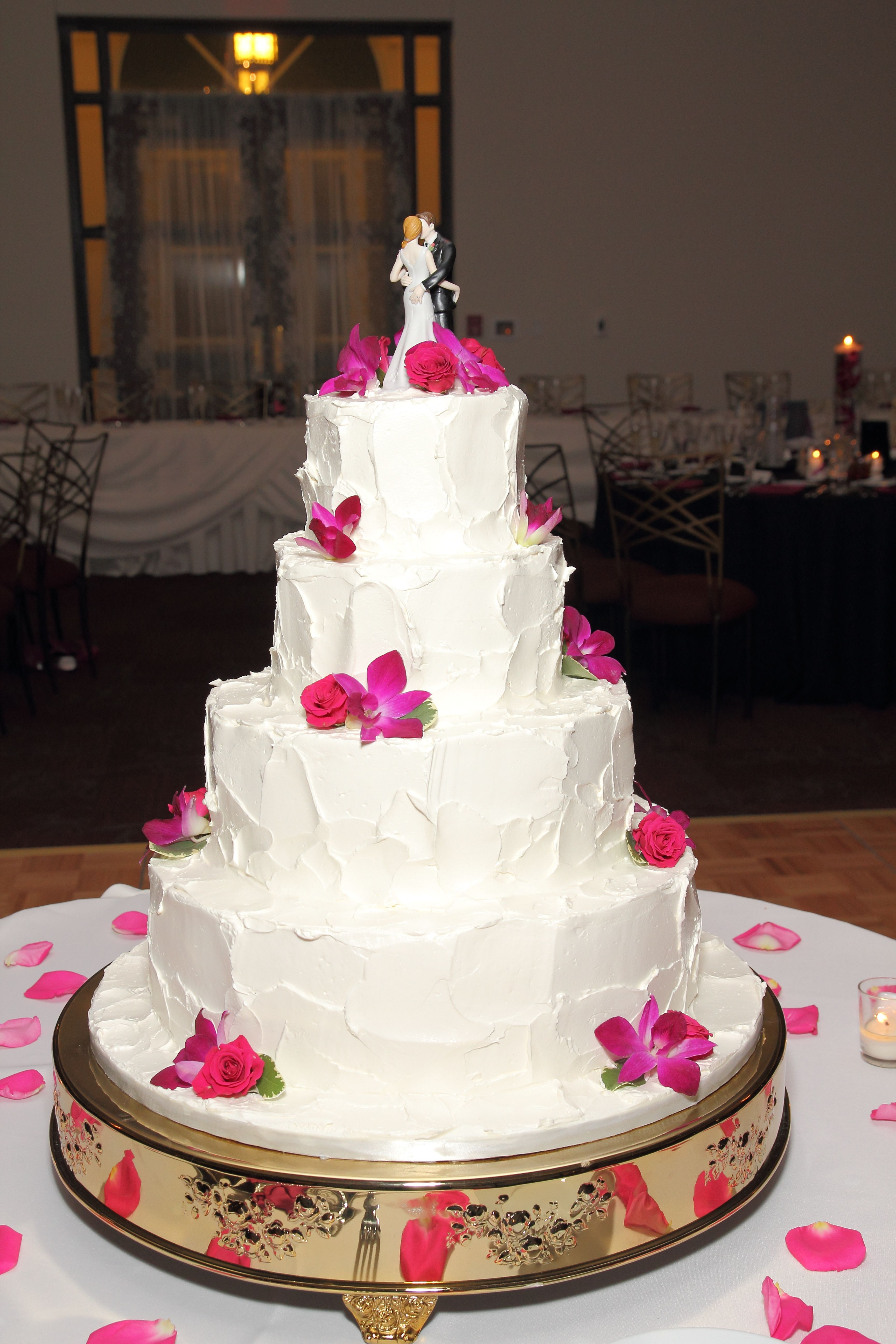 My Wedding Cake Super Cute With The Messy Icing Instead