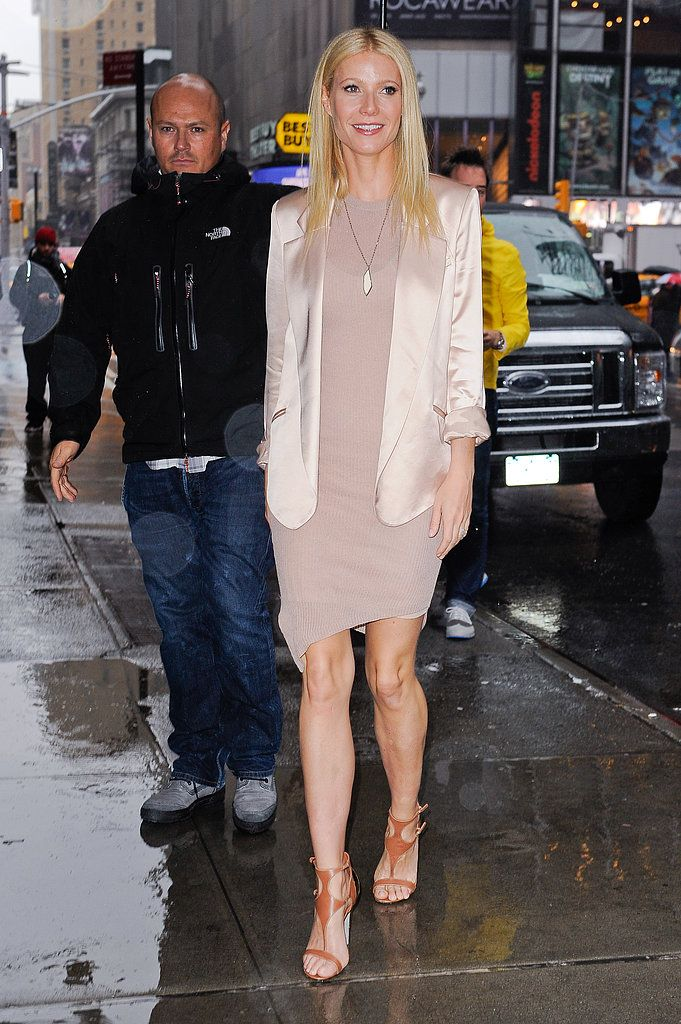 cd1d2b5ed7f 62 Reasons Why Gwyneth Paltrow Is a Real-Life Carrie Bradshaw  She s a  mother