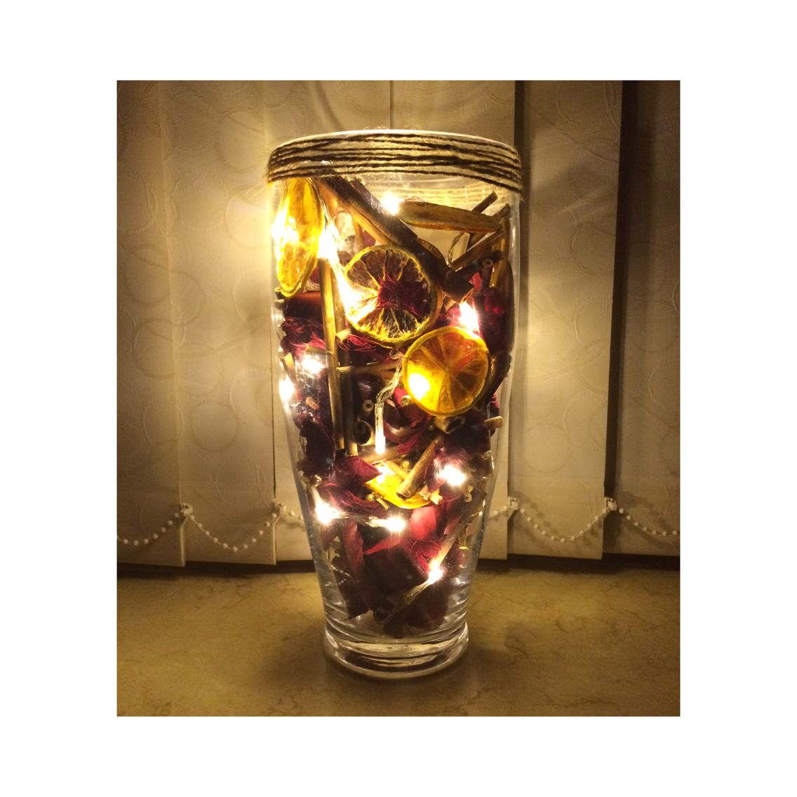 Christmas light vases ⛄ Made with... • potpourri • fairy lights ...