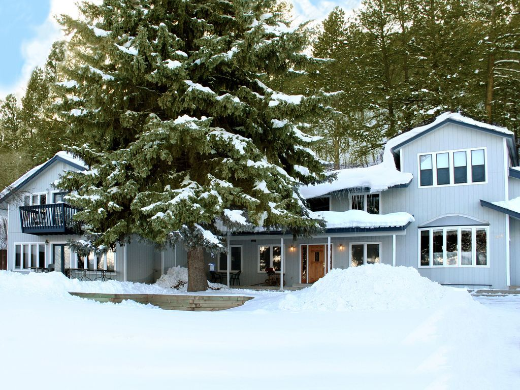 7 BR luxury home Walk to Hot Springs, Ski & Spa