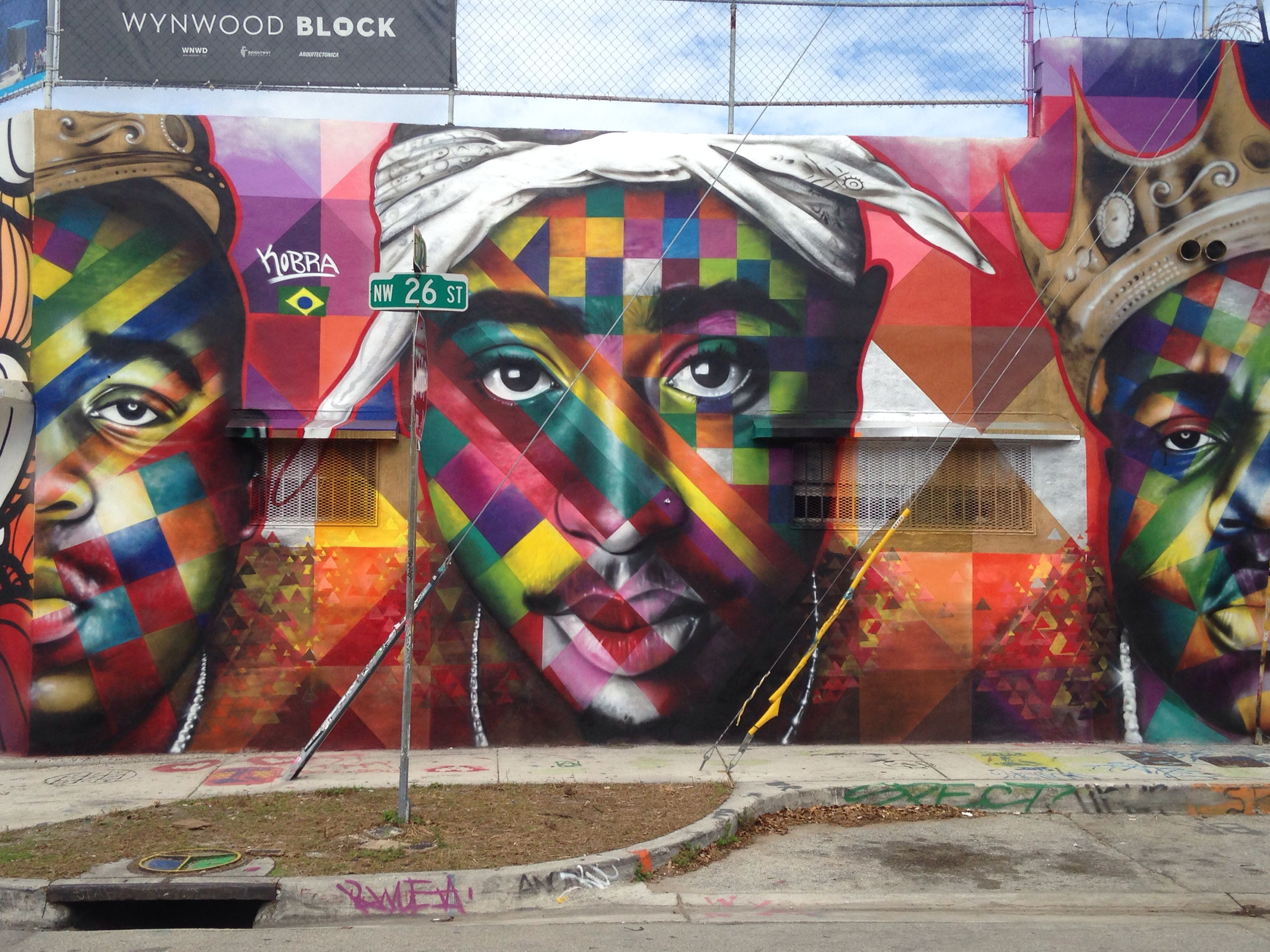 Tupac miami design district graffiti art graffiti for 2pac mural new york