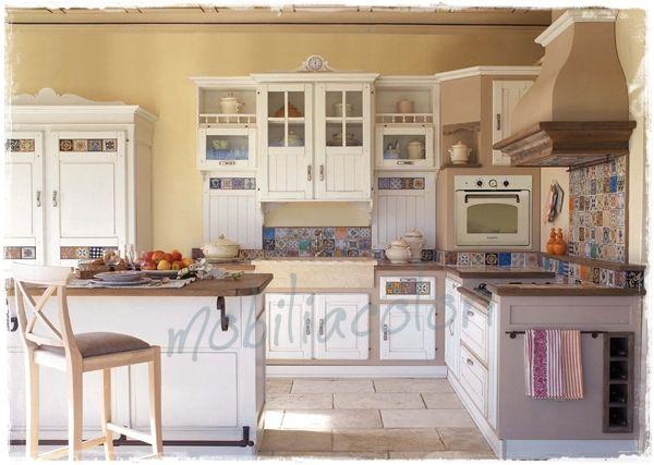 Cucine muratura decapate stile provenzale su misura for Arredamento stile country provenzale