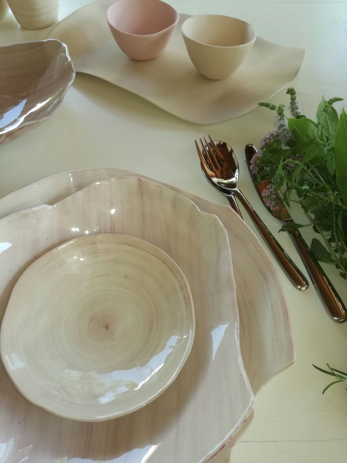 Unique and original creations, with delicate tones and essential shapes, give life to a production of ceramic to wear with elegant simplicity. #contemporary #jewelry #ceramic #handmade #madeinitaly #design #table #diningset