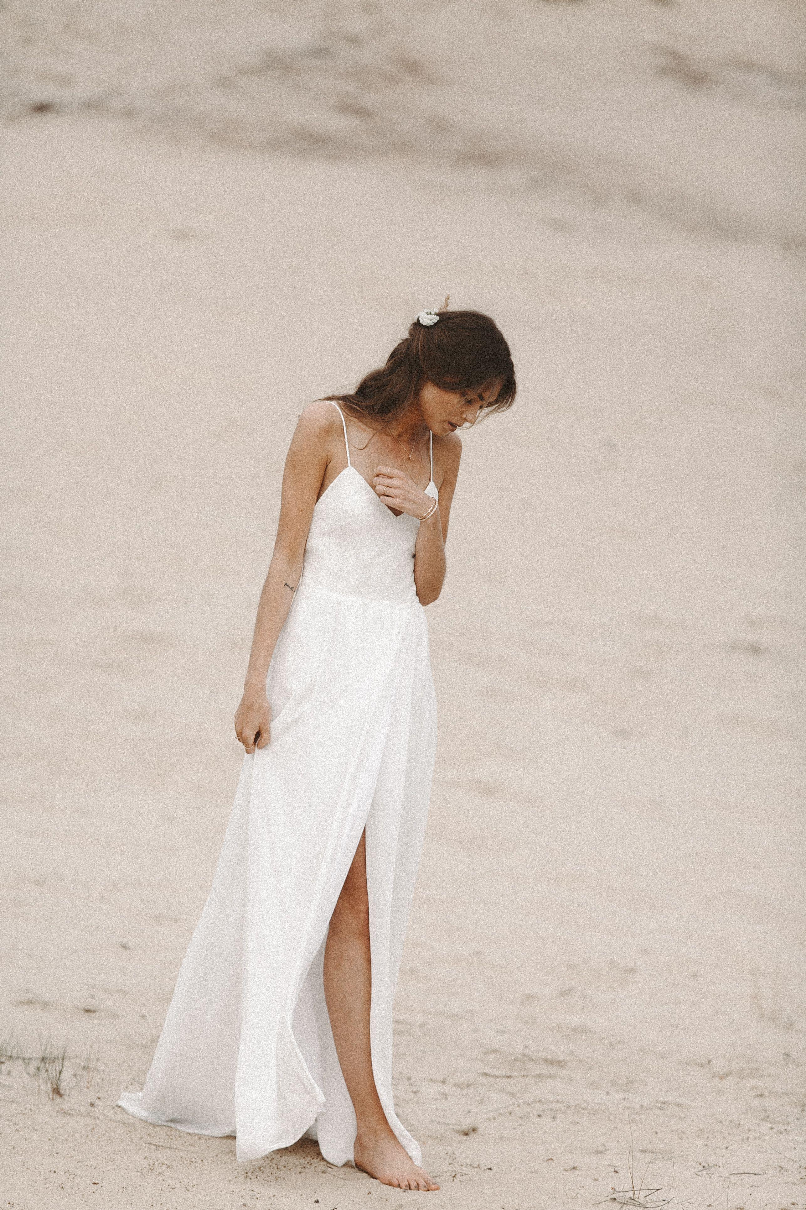 Strandhochzeit Brautkleid Fliessendes Hochzeitskleid aus Spitze