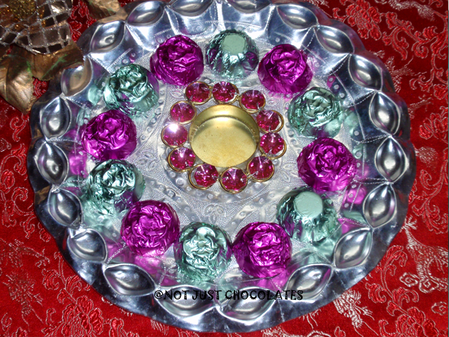 Handmade Tray Decoration Brilliant Assorted Handmade Chocolate In Decorative Metal Tray With 12 Design Decoration