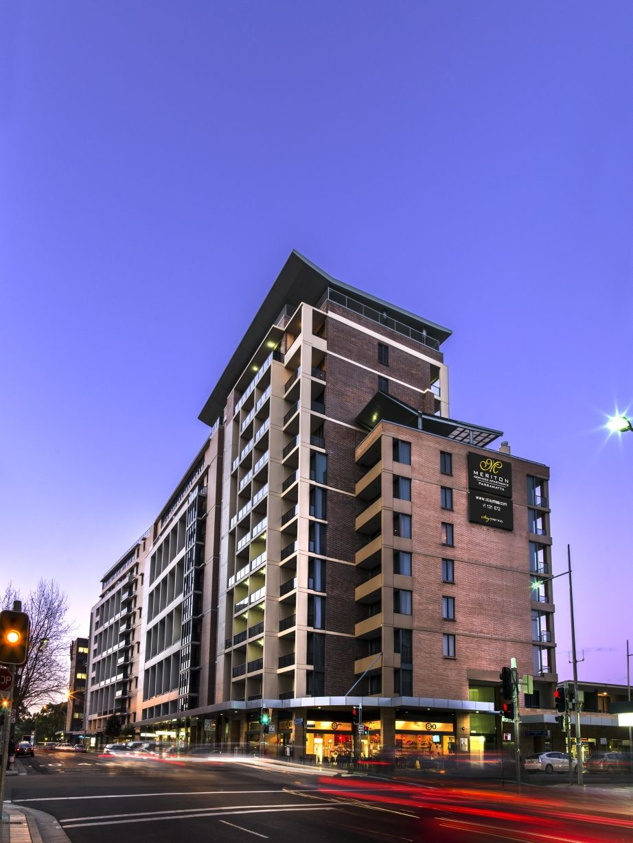 Awesome Building Exterior At Meriton Serviced Apartments Home Interior And Landscaping Dextoversignezvosmurscom