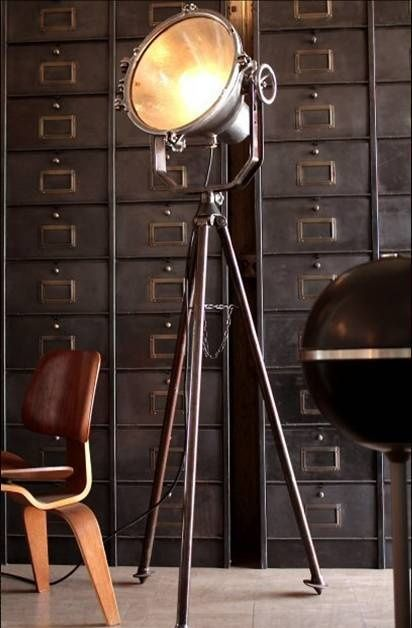 Industriele vloerlamp dieso de photoshop y fotos pinterest spotlight i would love one for our lounge room tripod floor lamp in metal industrial home decor ideas aloadofball Image collections