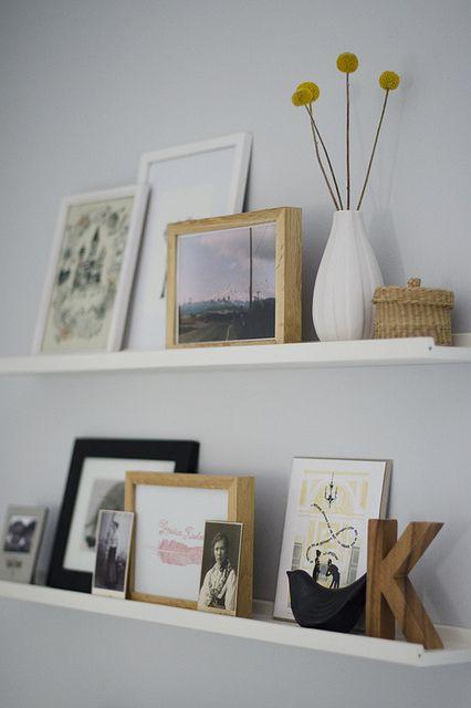 Picture ledge in the office Bilderleiste, Wohnzimmer und Einrichtung - bett im wohnzimmer ideen