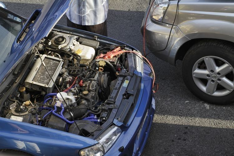 How To Jump Start A Car With Out Another Car How To Push Start A Car Car Car Jumper Jump Start Car