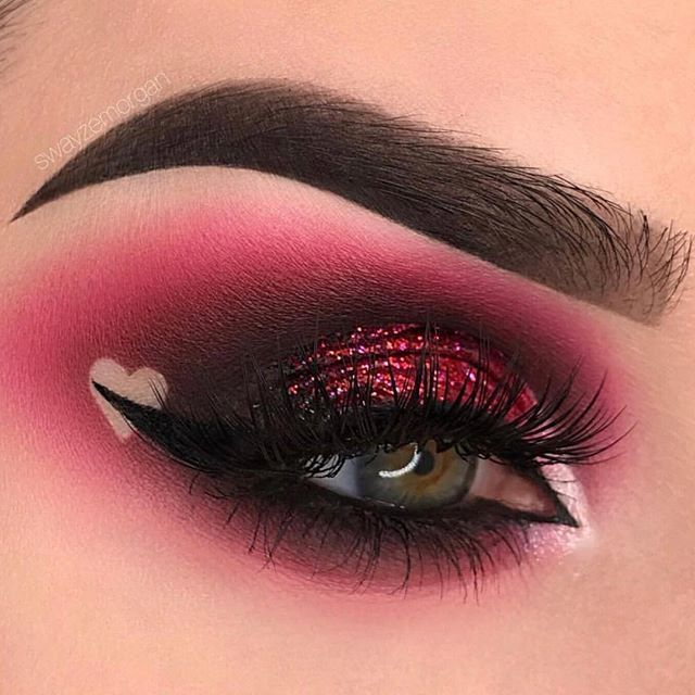 This picture is just GOALS! We are always looking for new eyeshadow