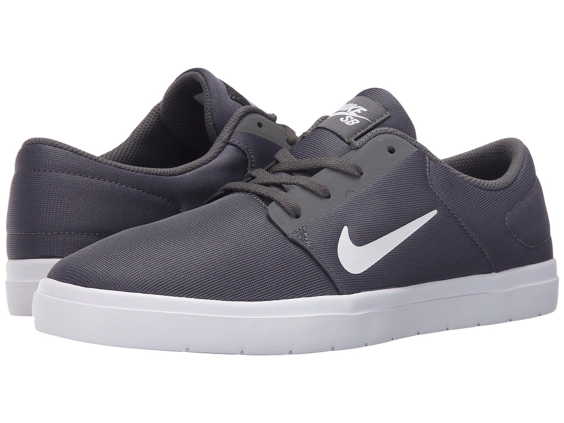 Nike Chaussures Ultra-léger De Portmore - Papier Peint En Noir Et Blanc meilleure vente jeu confortable acheter plus récent C2zID