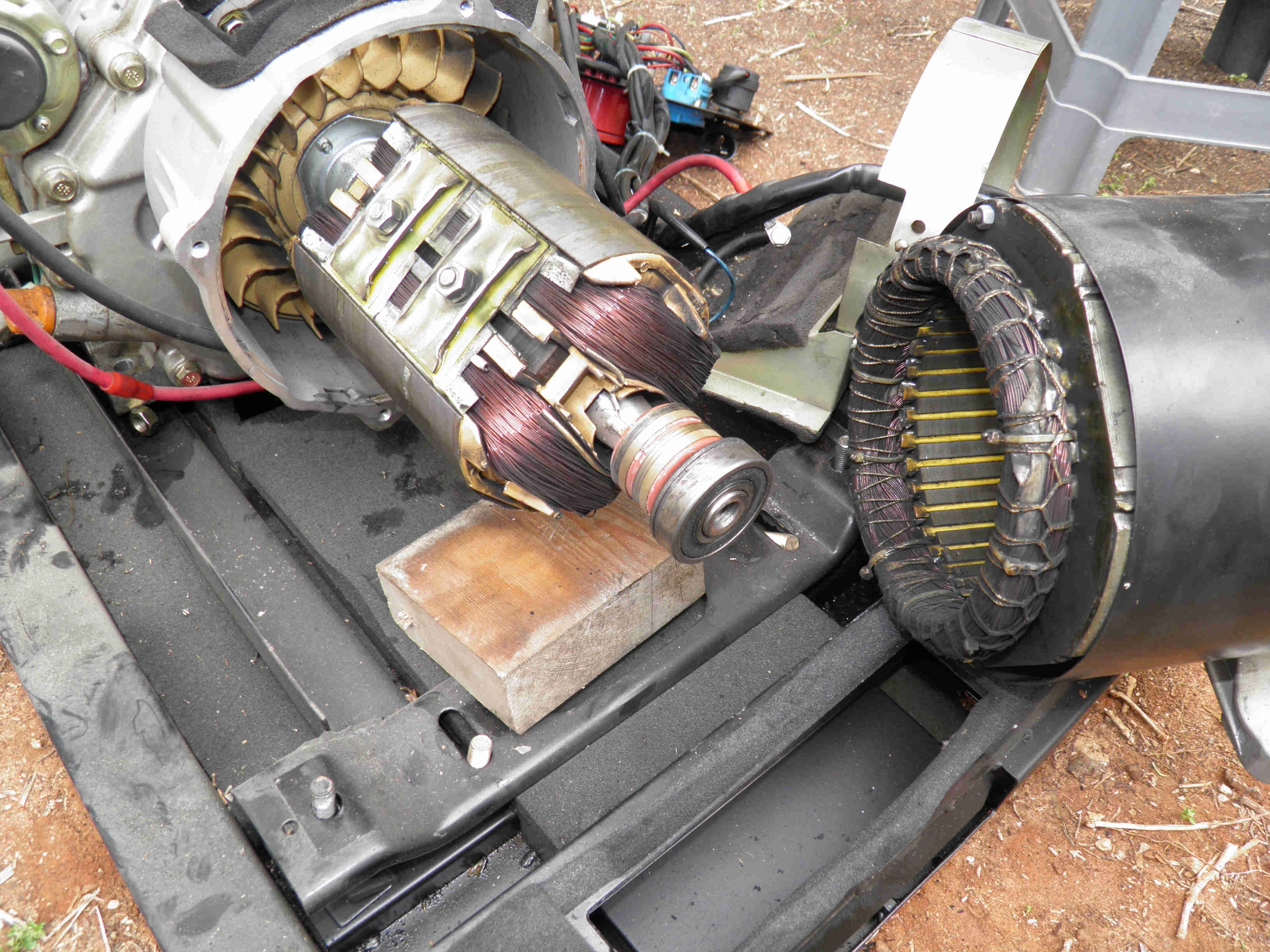 How to separate the alternator from the engine in a 5 or 6 KVA