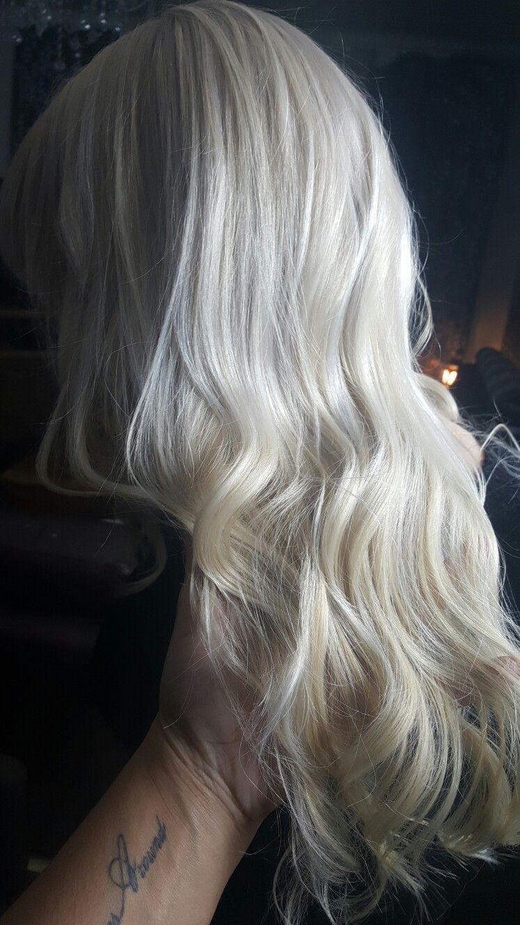 Beauty queen platinium blonde icy scandinavian brassytoclassy