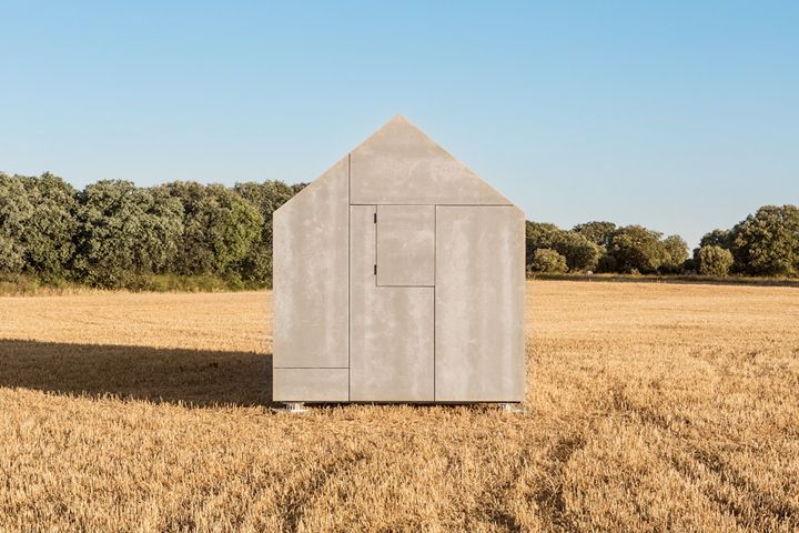 Concrete + wood by Abaton Arquitectura