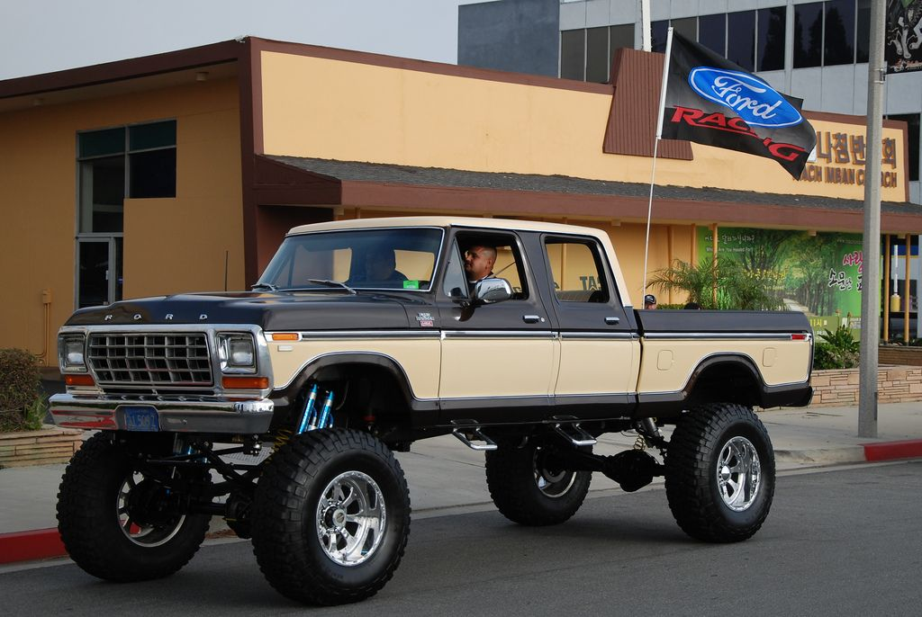 Ford Pickup Truck 4 Wheel Drive With Images Ford Pickup Trucks