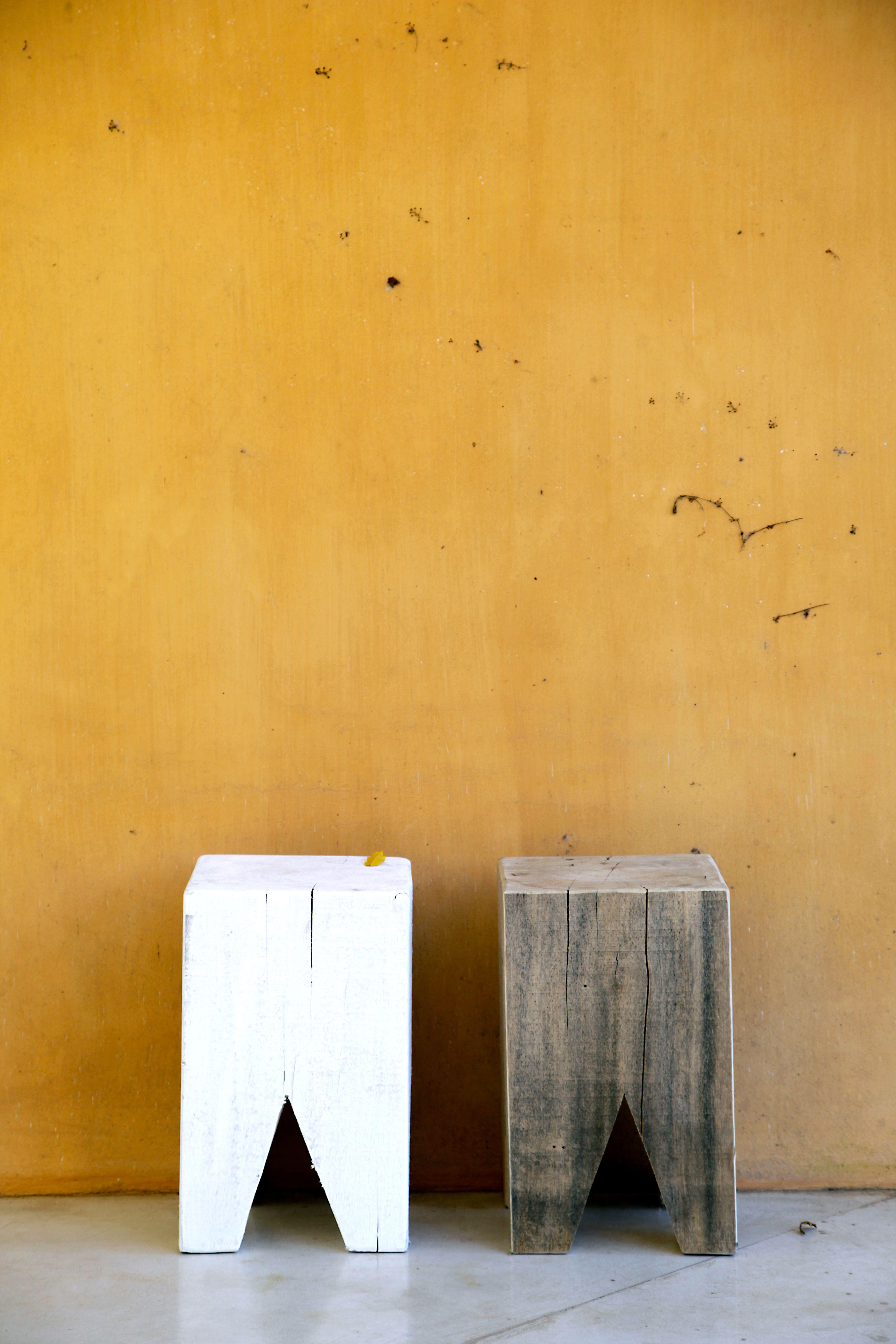 Banquitos de madera maciza para exterior o interior. Las Marinas ...
