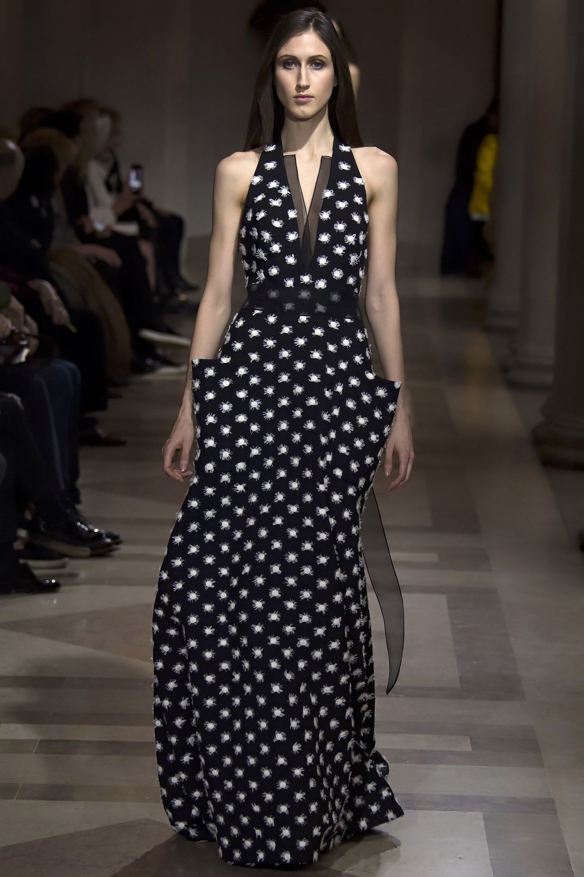 Carolina Herrera Fall 2016 Ready-to-Wear Fashion Show - Anna Cleveland