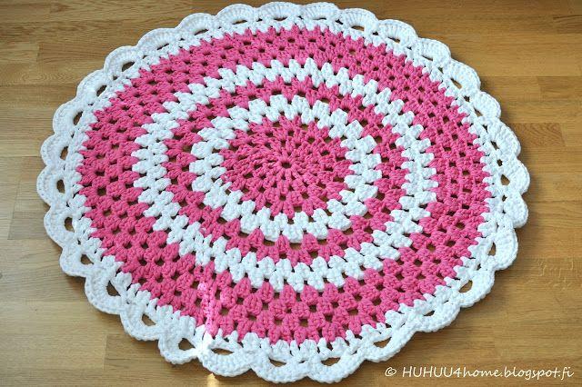 Nice rug on cool blog