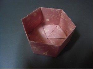 折り紙で箱ã'' å…è§'形でおしゃれに 簡単な折り紙であそぼ おりがみの折り方 折り紙 簡単 折り紙