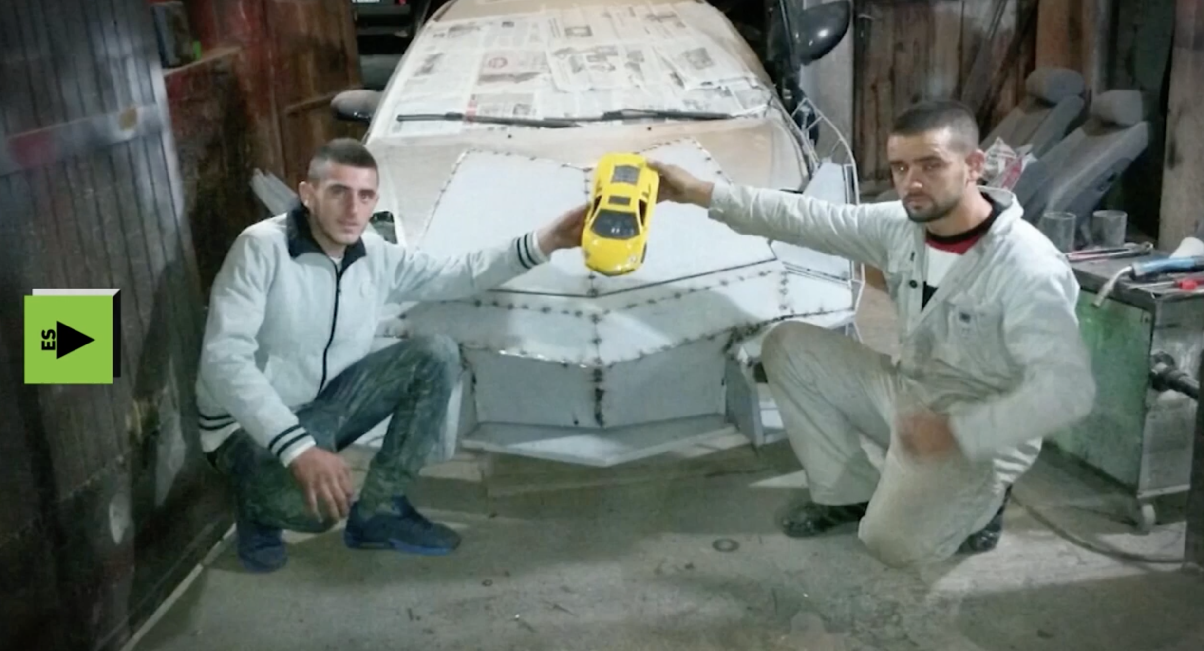 Este hombre se ha construido un Lamborghini casero. Ya sabemos como hicieron algunos que andan por ahí enseñando sus Lamborghinis en Instagram