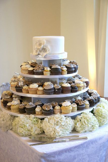 bethel bakery wedding cake flavors w9009 wedding cake cupcake tower toronto wedding cake 11724