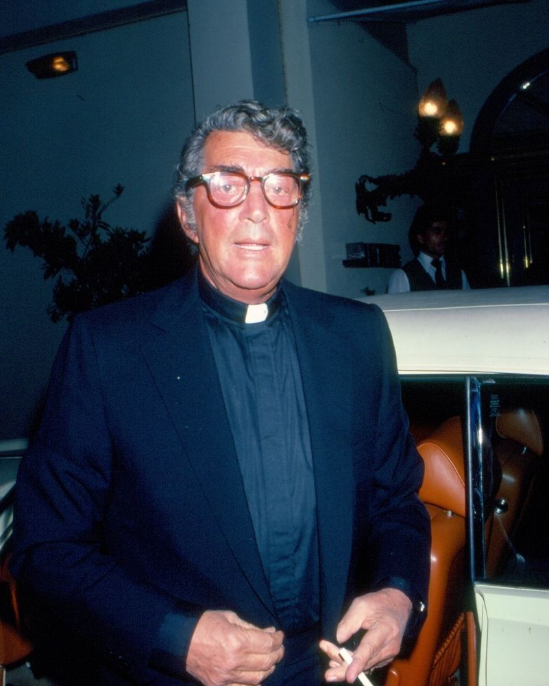DEAN MARTIN in costume as priest EXCLUSIVE 70s 80s celebrity photo C55