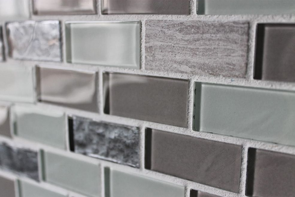 Diy Glass Tile Accent Wall In Master Bathroom Glass Tile Accent Wall Glass Tile Accent Tile Accent Wall