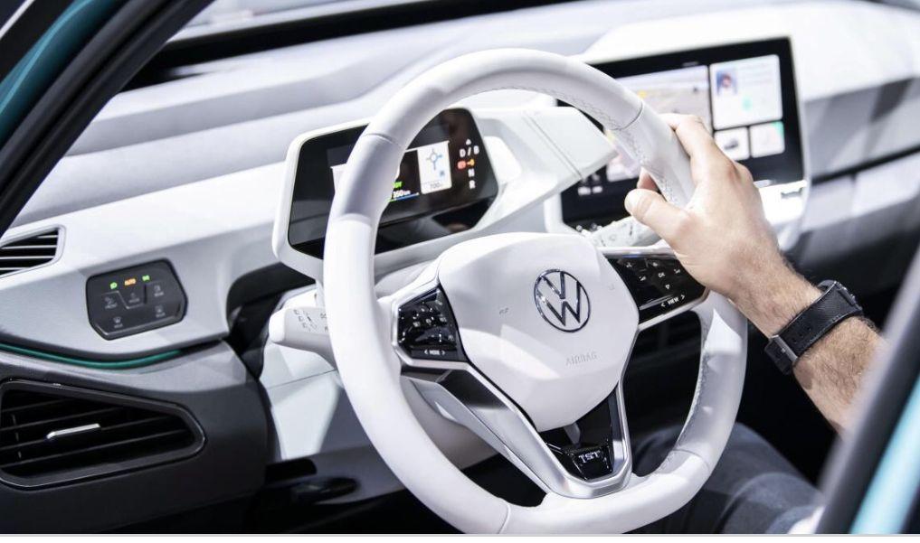Volkswagen Ist Dringend Auf Zusatzliche It Experten Angewiesen Sie Mussen Dabei Helfen Die Transformation Des Konzerns Voranzu In 2020 Volkswagen Elektroauto Facher