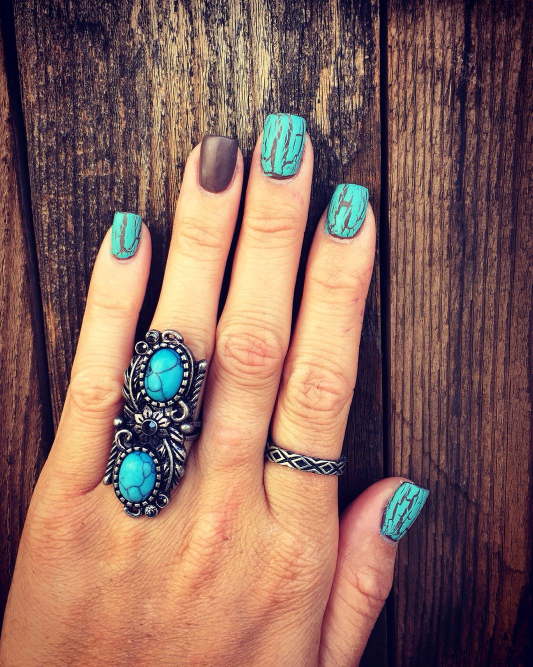 Matte brown and turquoise crackle nails I did. Kinda miss my